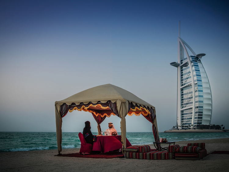 Best Romantic and Date Places for Couples in Dubai