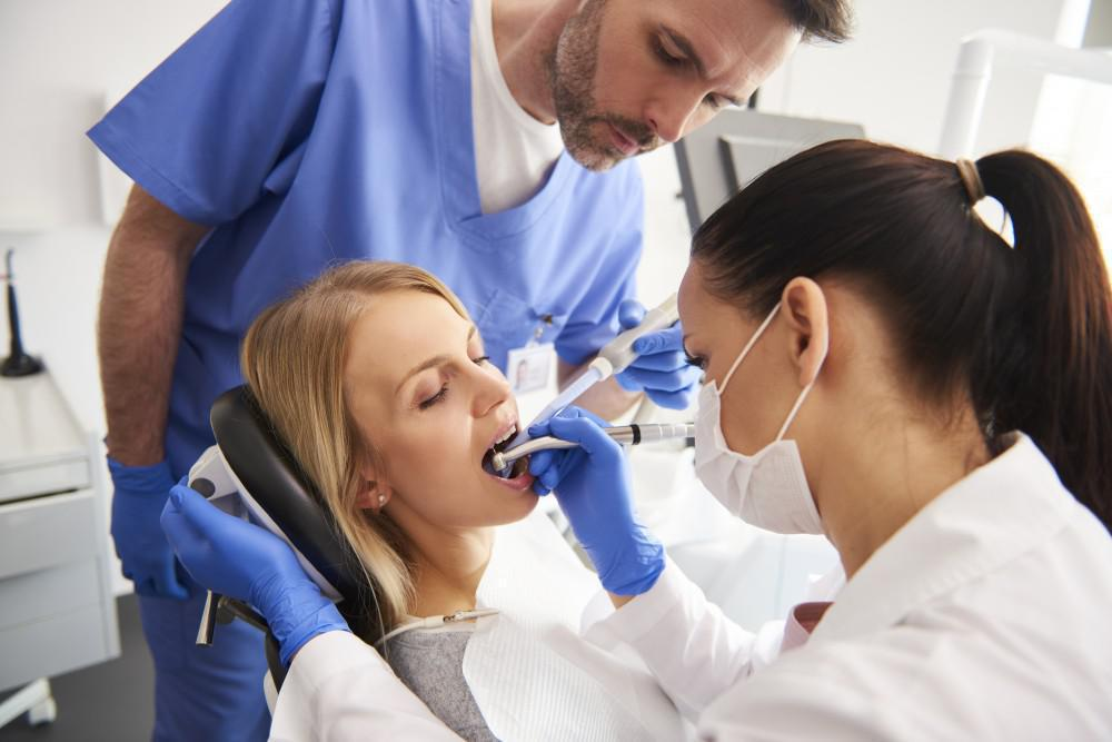 Who is a Good Candidate for Full Mouth Reconstruction Surgery?