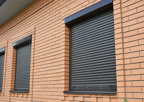 Know how to choose outdoor roll up shades for your porch, sunroom, and other areas